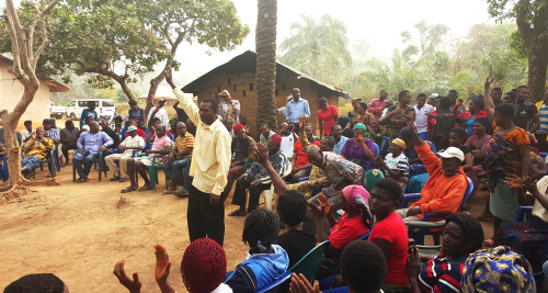 Community members in Nigeria agreeing to trigger their neighbours and help those who don't have the means to build their own latrine. Credit: WSSCC