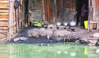 polluted river - Madagascar - credit WSUP + Tsilavo Rapiera
